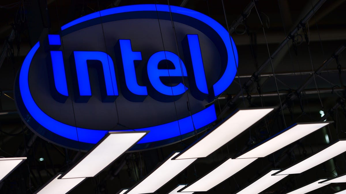 A Lucky Customer Just Got Intel's New 12th-Gen Chips Way Ahead of Their Official Release