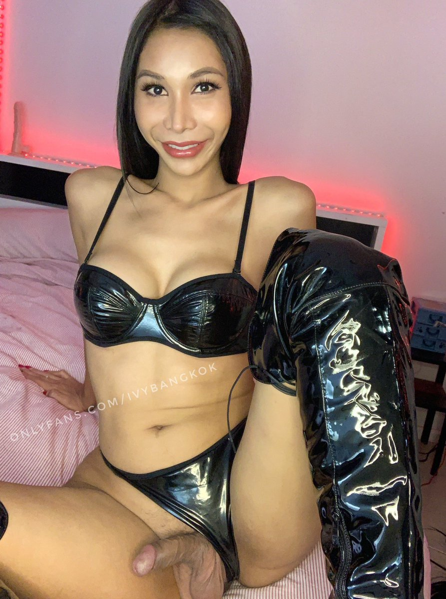 Hi daddy! Do you like my new boots?😈 onlyfans.com/ivybangkok 🔥25%off💋 full of special content 🎁🎀