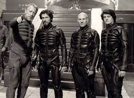 The #Fremen #stillsuits in the new @dunemovie  movie may not have looked as slickly cinematic as the leather bondage costumes they wore in the David Lynch version of #Dune, but they were more realistic for people living in the desert. (And Javier Bardem was great as #Stilgar) https://t.co/0FGzzdvjWP.