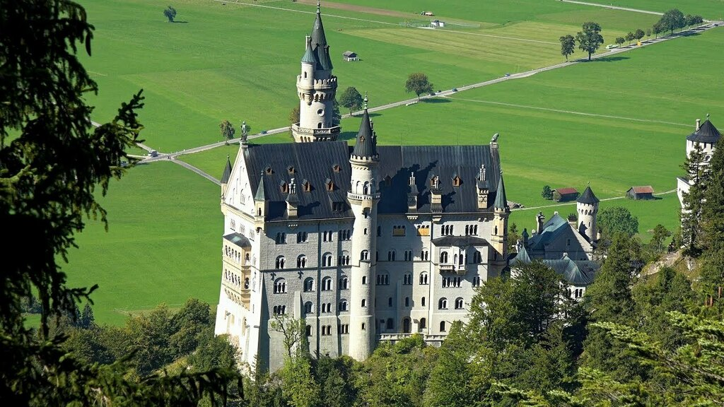 TIL The world famous Neuschwanstein Castle was used as a depot for the Nazi's stolen art in WWII. They had orders to blow it up, but the SS officer never carried out the orders. via /r/todayilearned ift.tt/3E75Res