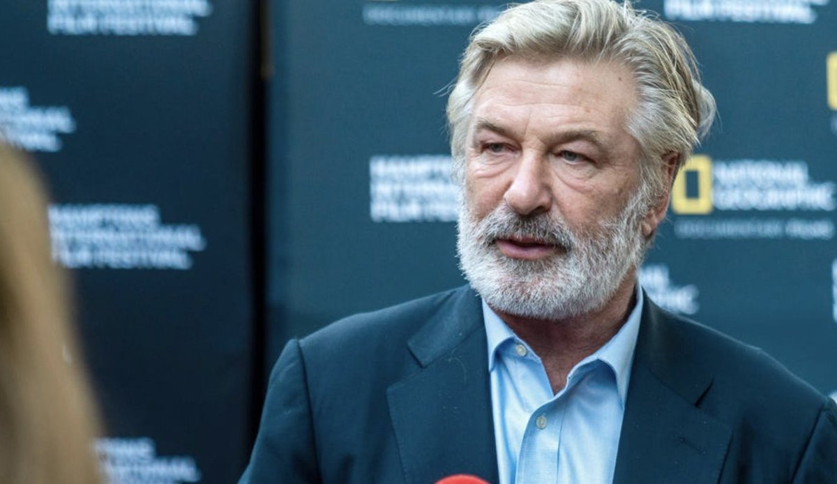 """test Twitter Media - """"There are no words,"""" Alec Baldwin tweeted after the shocking fatal prop gun blast. Here's what we know: https://t.co/IWPoVAvUO5 https://t.co/e1VeG7H21c"""