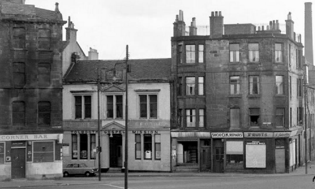 #Shoap - The Corner Bar, Stirling Road, #Glasgow, 1964. The Gospel Mission open and ready to save drinkers and other sinners. (Canmore)