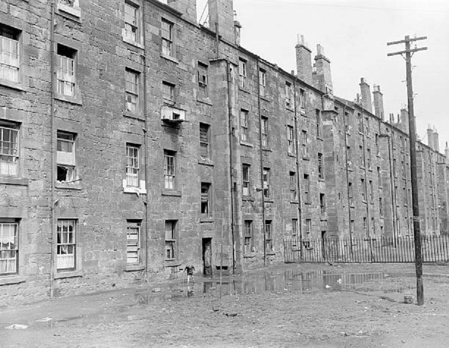 Oh what a lonely boy. Govan, #Glasgow, 1956. (Mirrorpix)