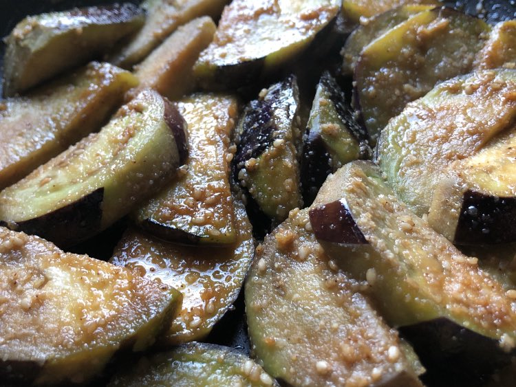 ナスのうまいうまい焼き若鶏のうまいうまい焼きと同じ味付けです