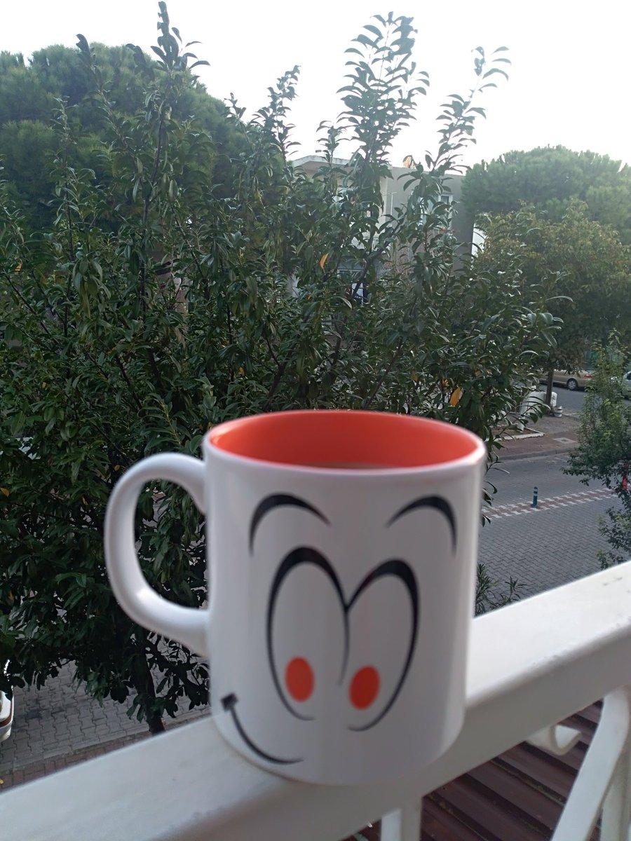 Günaydın ☕🍀 Cumartesi gününüz kutlu ve mutlu olsun 🎉🎊🎈