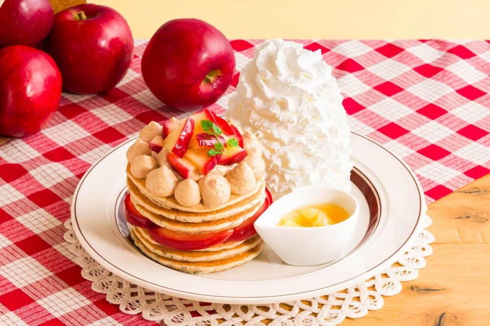 """エッグスンシングス限定""""贅沢りんご""""の紅茶風味パンケーキ、りんご&シナモンの限定ドリンクも -"""