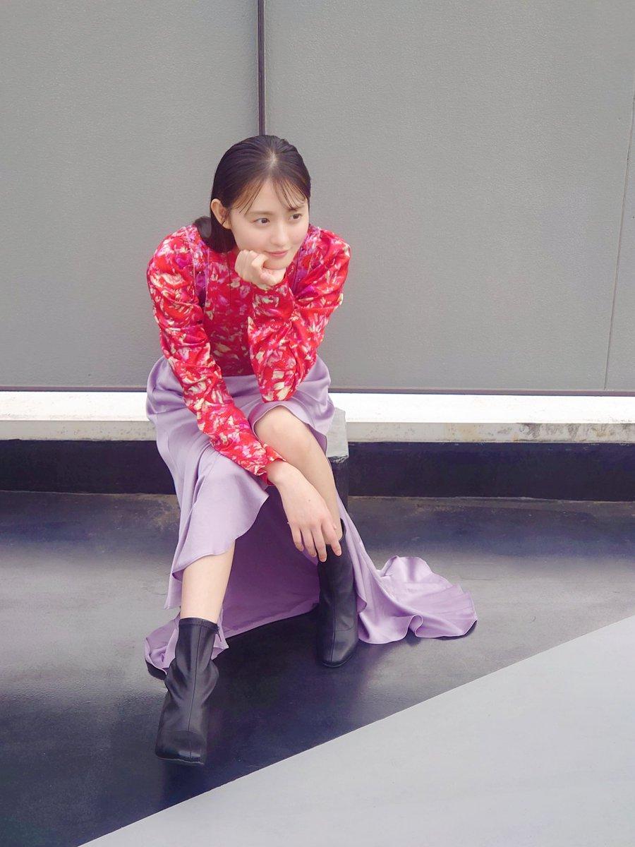#乃木坂46 大特集のBRODY12月号発売中‼️続いては思わず「さくらさん」と呼びたくなるイイ女なさくちゃんオフショットをお届け🌸どんな服も着こなす抜群のスタイルを是非誌面でもご覧下さい🥰■アマゾン■セブン(ポストカード付)#遠藤さくら