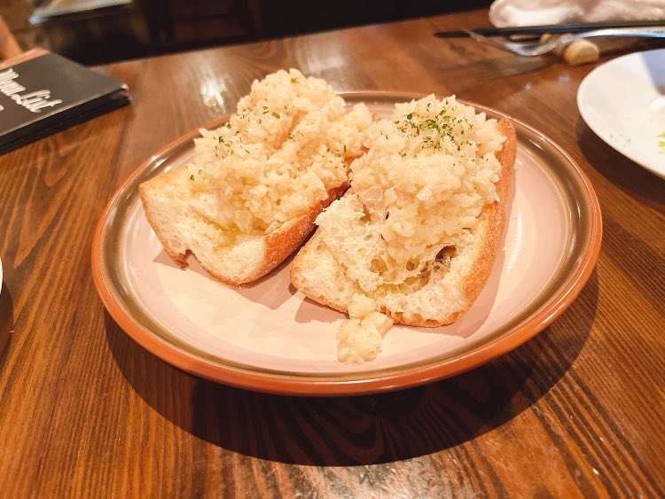 test ツイッターメディア - バケットに乗っているのは全てにんにく。ガーリックガーリックという渋谷のお店で食べて来ましたが、ぶっちぎりのおいしさ…。 また行きたいと思いますが、みなさんも渋谷に行く際は是非。 #ブログ #ガーリックガーリック #にんにく #渋谷 https://t.co/OQDXHemJFe