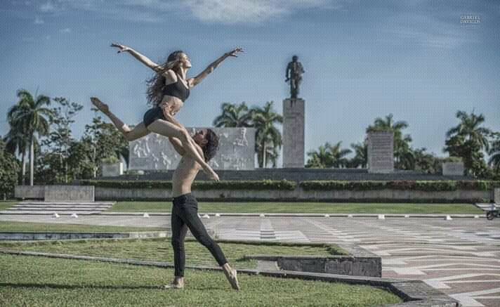 #Cuba was awarded Best Caribbean Cultural Destination 2021 at the World Travel Awards, which recognizes excellence in the travel & tourism industry. Despite the blockade and the disinformation campaign, the 'failed state' continues to obtain successes and recognition.#LetCubaLive