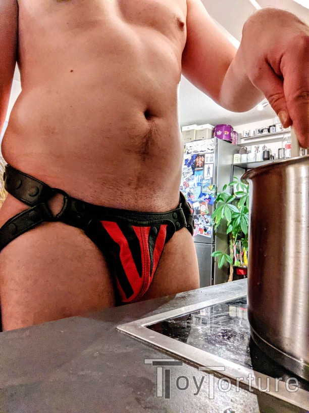test Twitter Media - It's the weekend so why not wear an @armyofmen leather jock for #jocktober while cooking up something hot & spicy 😈 https://t.co/W5Ei1OOh9B