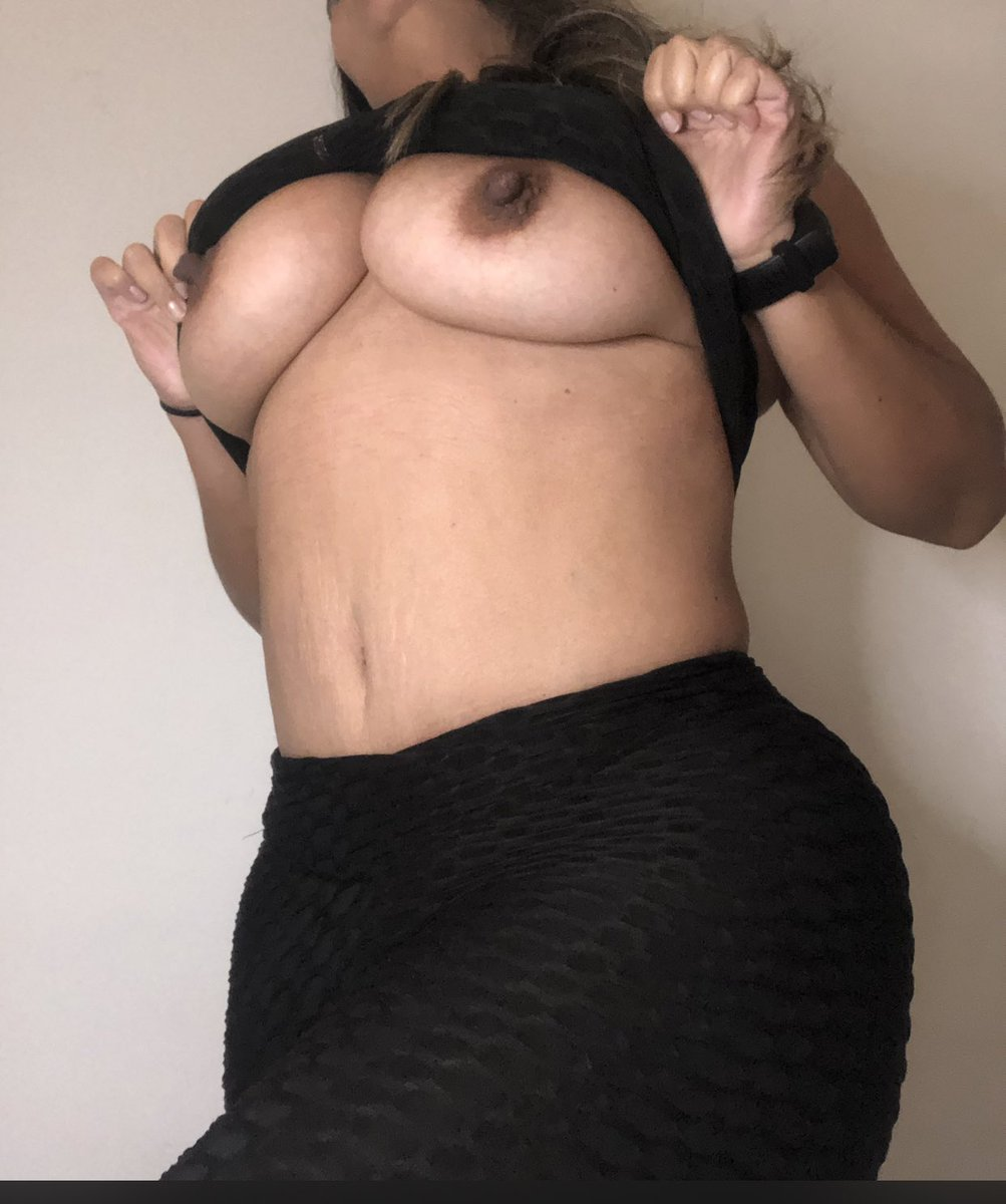 Happy Saturday 🟤🟤😉! Join now 👇🏽👇🏽👇🏽👇🏽👇🏽 onlyfans.com/hotwifemiami37 #Onlyfanspromo #hotwife #latin @PagesPromotion @plasmaboob @Star_woman_Fan3 @timisback2021 @MilfsnCum @Verde1122 @