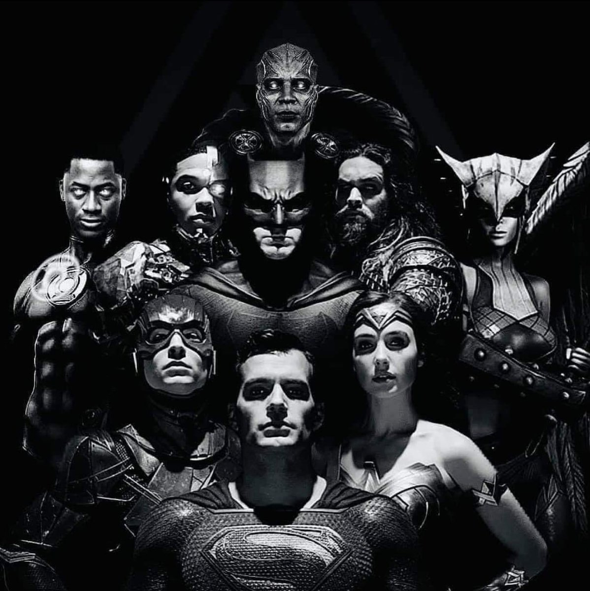 RT @EverythingDCFan: Imagine this ! Better yet, let's keep pushing for it ! #RestoreTheSnyderVerse https://t.co/RwduvQBUtO