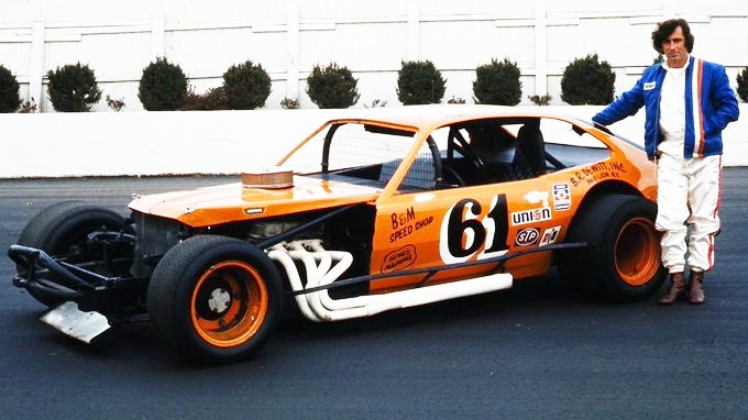 Remembering Richie Evans today 7/23/1941 - 10/24/1985 #RIP Richie Evans won a record 9 @NASCAR National Modified championships in 13 years, including 8 in a row from 1978-1985. He won 30 track championships at 11 tracks from 1970-1985, and almost 500 races. #RapidRoman 🏁