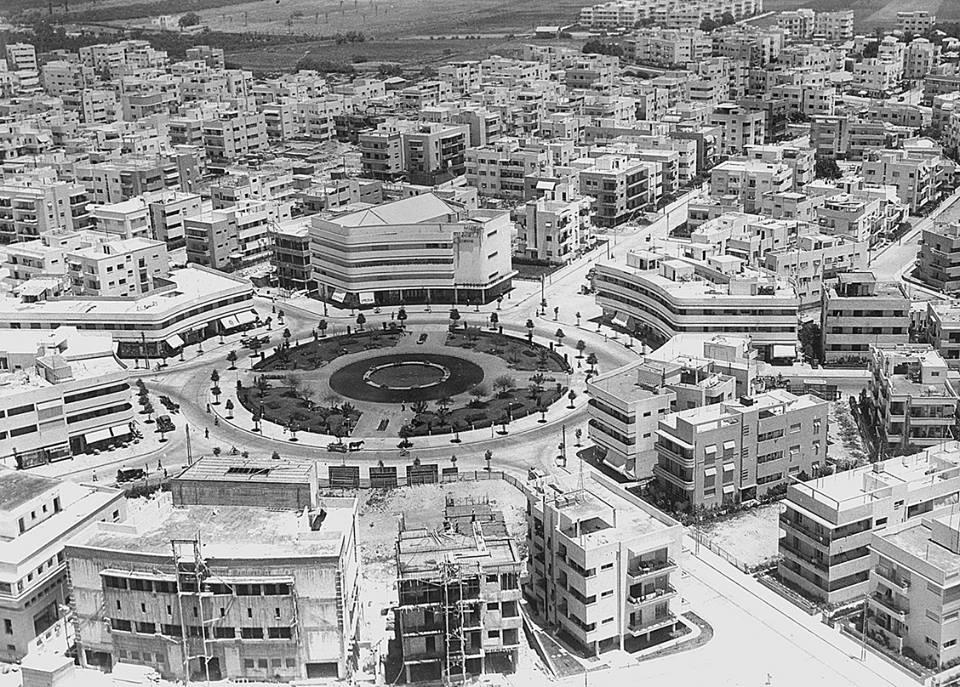 تأملوا هذا الجمال العمراني في الصورة التي التقطت عام 1938 لمدينة تل أبيب التي شيدها اليهود بسواعدهم! …