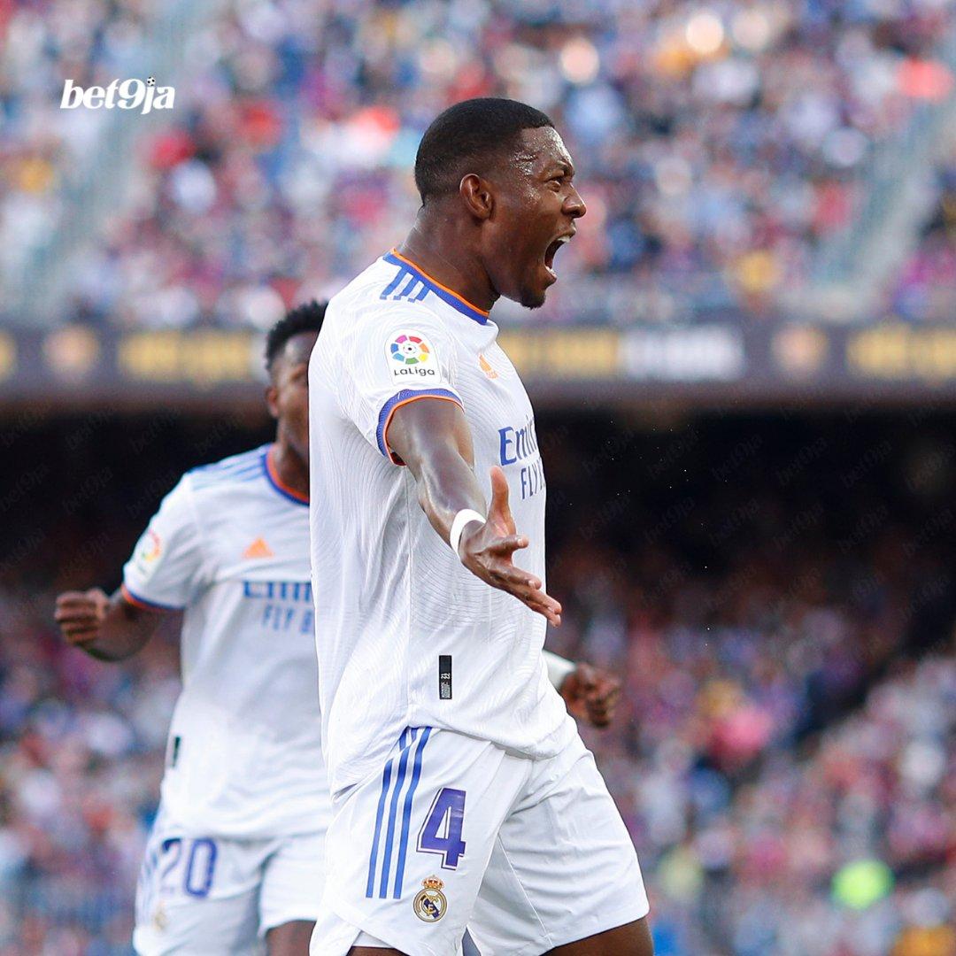 At half-time in El Clásico, David Alaba's goal gives Real Madrid a 1-0 advantage! 👏