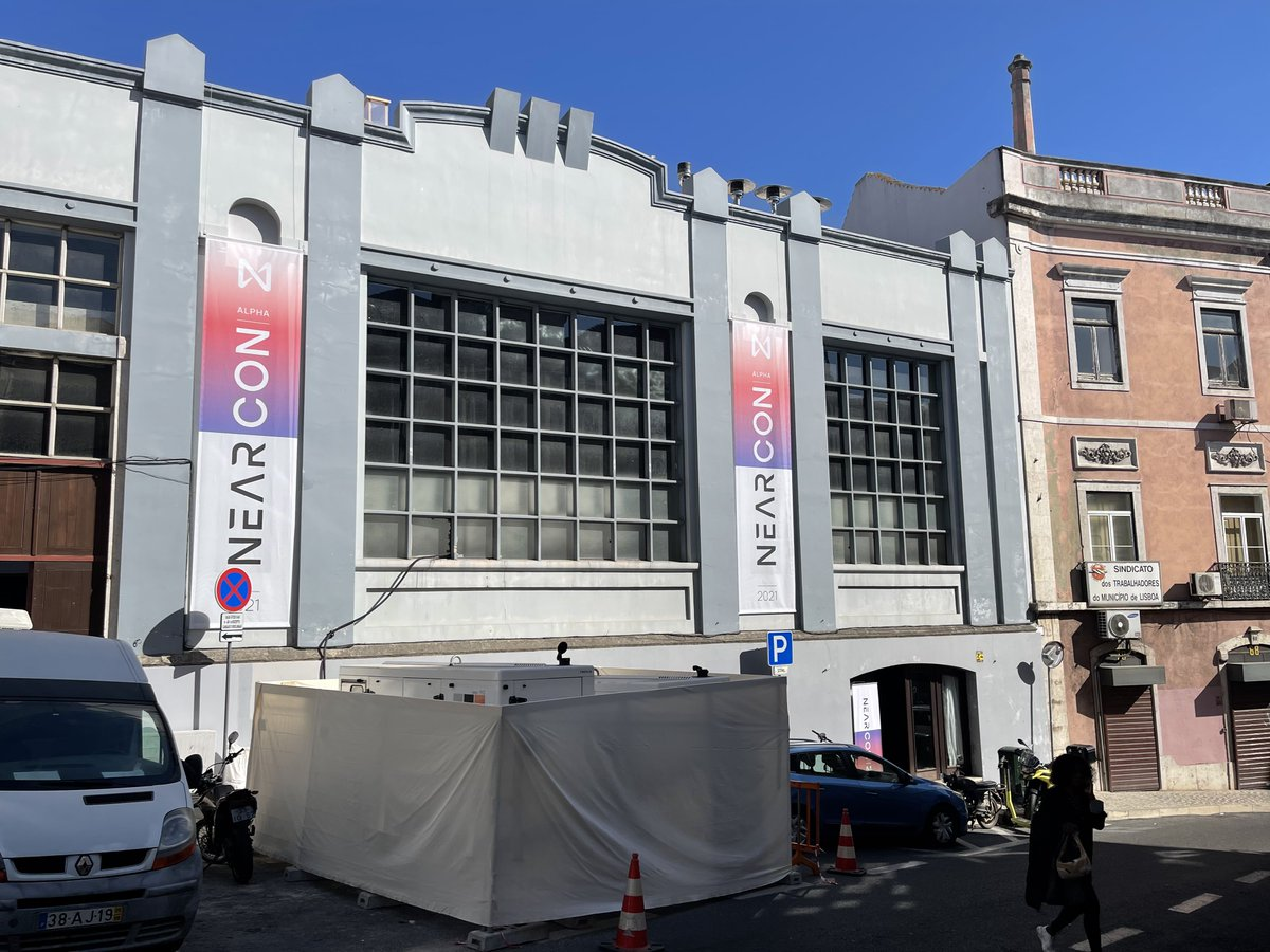 4/ #NEARCON will take place at the beautiful Carpintarias de Sao Lazaro conference venue. A historical infrastructure that formed the industrial district of the city. Now it is a hotspot for #creatives 🎨 Let us guide you through the different parts of the venue 🔽