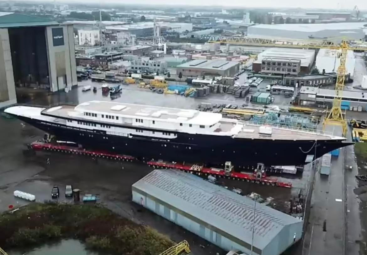 Seeing Jeff Bezos new yacht reminds me of just how great things will be when that wealth starts trickling down! Right? Right?