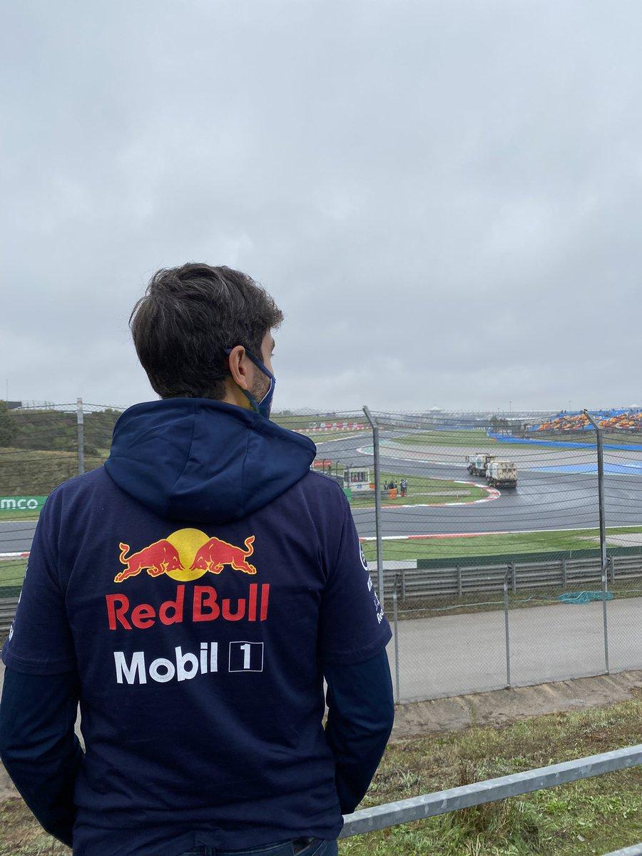 Max Verstappen acil olarak bu akşam galip gelip yüzünü güldürmen gereken bir sevgilim var 🖤🏎🏁  #USGP #F1