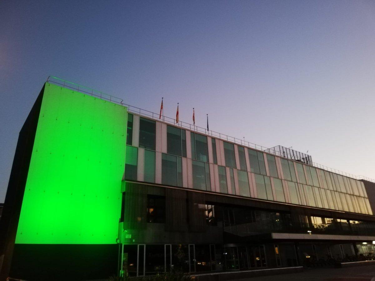 Il·luminem la façana de l'Ajuntament per commemorar el Dia Internacional contra el Canvi Climàtic  👉Demà comencem a #Santcugat la Setmana de la Transició energètica  ℹ️https://t.co/oyjA6YzMvE