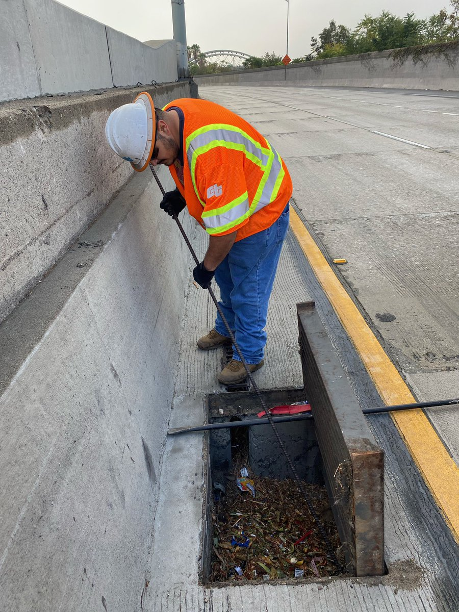 Image posted in Tweet made by Caltrans District 7 on October 25, 2021, 12:21 am UTC