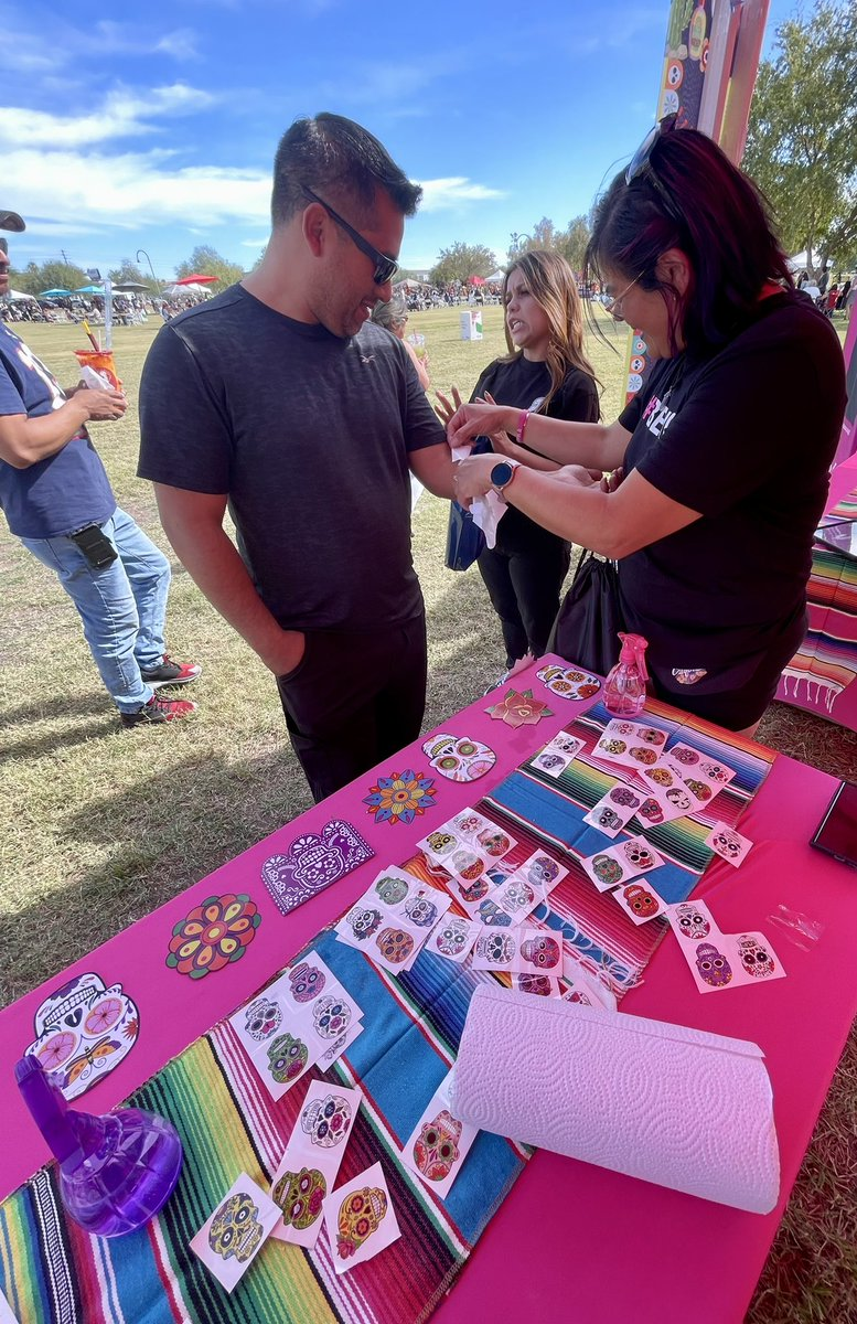#MagentaLatinxNetwork celebrating #HispanicHeritageMonth  in AZ at the #DíaDeLosMuertosPhx event.  A day filled with fun and learning about our diverse Latino Community. Thank you to our community and employees for stopping by! @UnCarrierRene @ScottMcCarthyAZ @CHI_KarinaP
