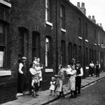 Image for the Tweet beginning: Residents in Pendleton, Manchester, 1932