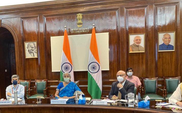 वित्त मंत्री निर्मला सीतारमण ने नागरिक उड्डयन और दूरसंचार के लिए पूँजीगत व्यय (सीएपीईएक्स) पर समीक्षा बैठक की