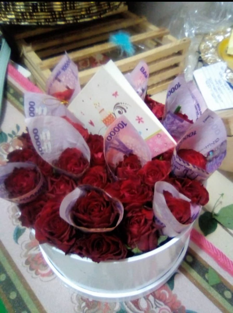@IamHaxx Flowers #Kampala city Payment after delivery service is available #Phone 0758390425