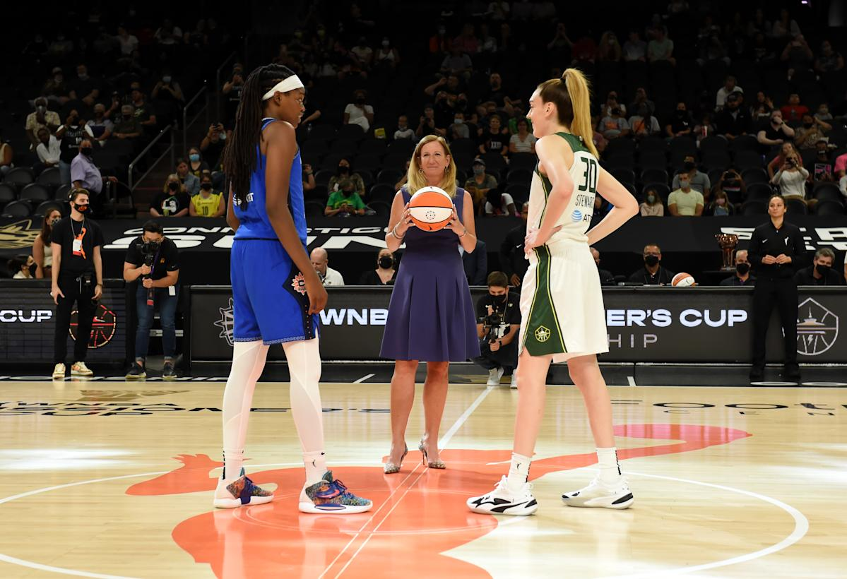 Everything you need to know about the WNBA offseason: Free agents, Sue Bird-Diana Taurasi decisions, more - Yahoo Singapore News https://t.co/0cukbjZX2k https://t.co/HuLxtfErJE