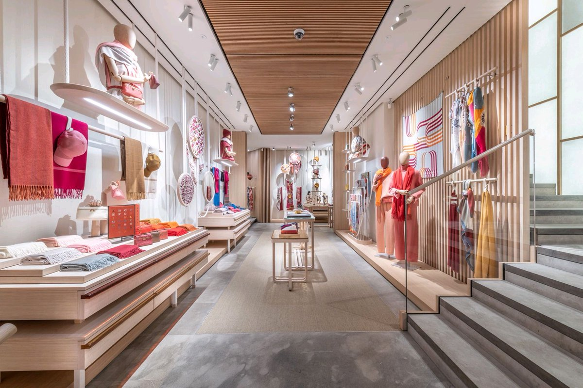 LORO PIANA flagship store unveils new popup 'fun zone' with textiles, gifts etc  #LoroPiana #LoroPianaMonteNapoleone #newconcept #popup #newopening #luxury #luxuryfashion #fashion #cashmere #elegant #MadeinItaly #LVMH @LVMH