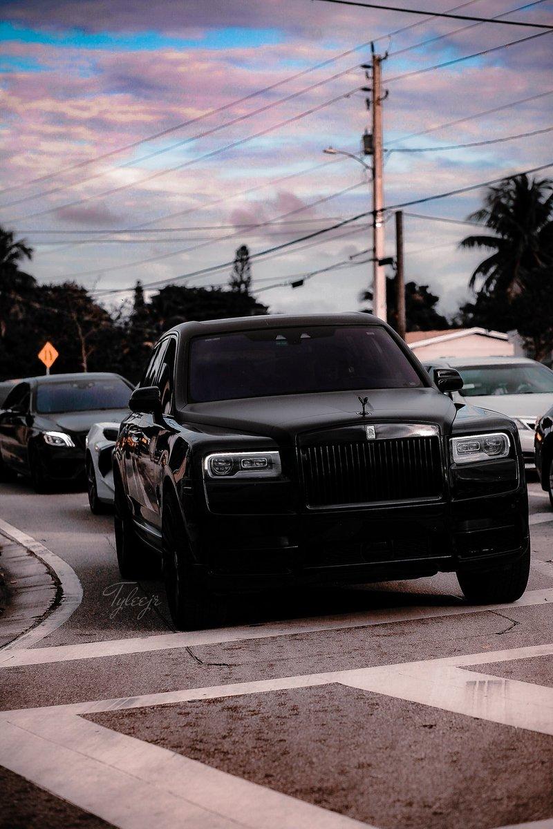 The Rolls Royce Cullinan leading the car Mafia 😈🤟🏾 #cullinan #Rollsroyce #footballweek #supercarsaturday #supercars #luxurycars #luxury #brutalluxury #mansory #GANGGANG #luxurygang #teamrolls #blackouts #midnightadiction