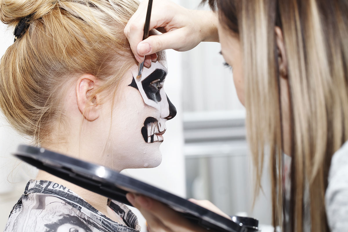 Let a best-in-class professional makeup artist bring your Halloween  look to the next level. #makeup #mua #makeupartist #professionalmua #nyc #concierge #conciergeservices #halloween #luxury #luxurylifestyle #lifestyle