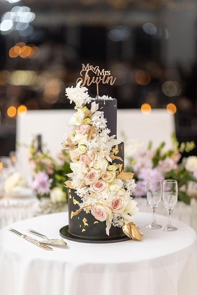 Wedding cake by Tracy  #fondant #weddingcake #wedding #floralwedding #black