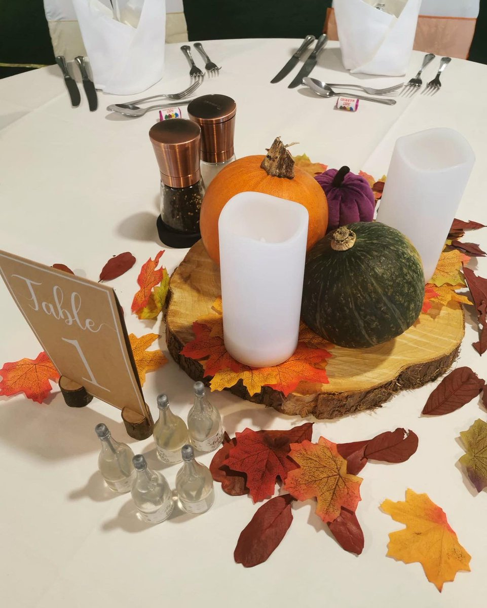 Sarah and Jai tied the knot today with their stunning Autumn themed wedding. Congratulations to the happy couple! 💍🍁#weddingday  #wedding #eastbourne