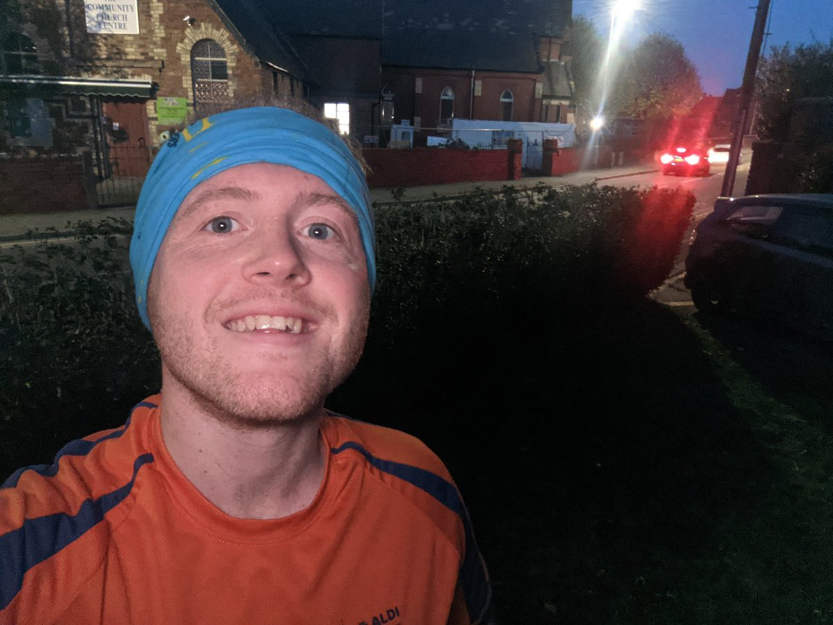 Monday evening run around town!   #running #runner #everyrunhasapurpose #ukrunchat #ultrarunning #ultrarunners #gbultras #cymru #fitness #fattofit #fitnessmotivation #photography @hoka #hokaoneone