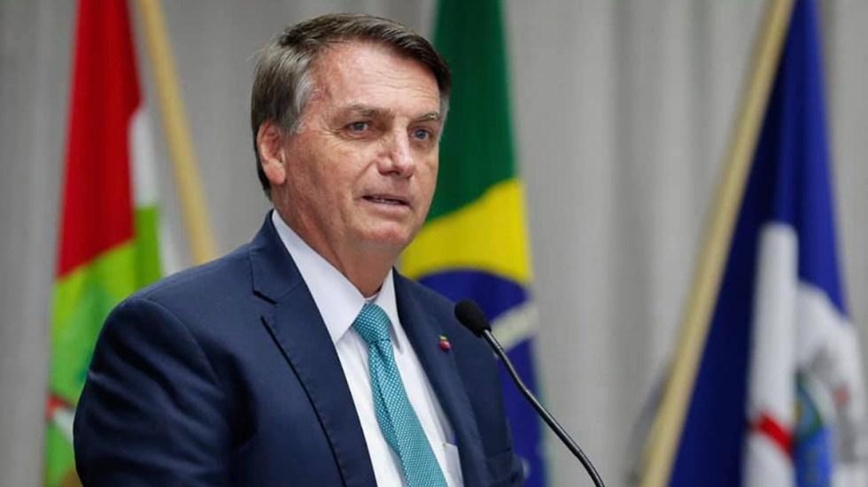 #INTERNACIONAL Las redes sociales #Facebook e #instagram retiraron de sus plataformas el video en que el presidente brasileño, el líder ultraderechista #JairBolsonaro , vinculó el uso de las vacunas contra #COVID19 al desarrollo del sida.
