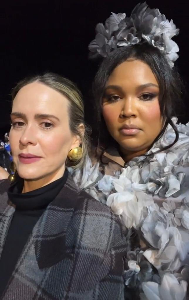 RT @akforpaulson: the duo sarah paulson and lizzo just breaking the internet with their beauty alone https://t.co/lwKPYoGne3