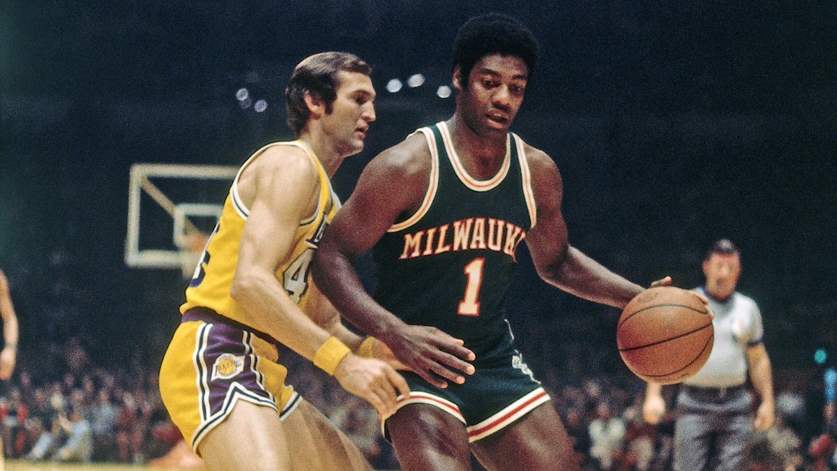 75th Anniversary Team member... Oscar Robertson! #NBA75 Learn more about 'The Big O' here: nba.com/75/player/osca…