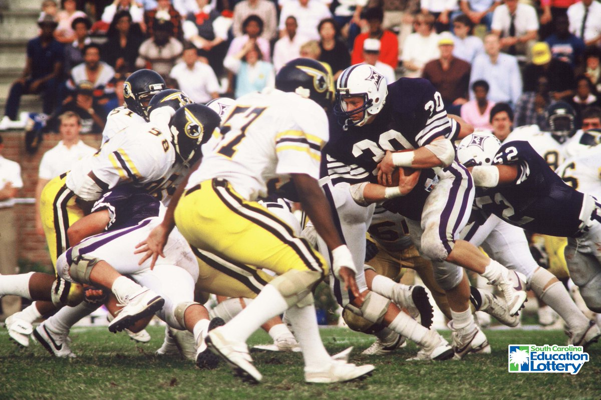 This Day In Furman Football History (Oct. 26, 1985) — Fifth-ranked Furman uses a 104-yard rushing effort by John Drye (30) and a hard hitting defense to knock off 15th-ranked Appalachian State, 21-7, at Paladin Stadium on the way to the SoCon championship. #FUAllTheTime https://t.co/ipS29oeqvc