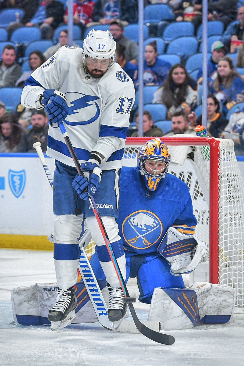 Redirecting traffic…  Tampa Bay Lightning, Alex Killorn, tries to redirect the puck, but Buffalo Sabres Goaltender, Craig Anderson makes the save.  #LetsGoBuffalo https://t.co/TISTymcyqJ