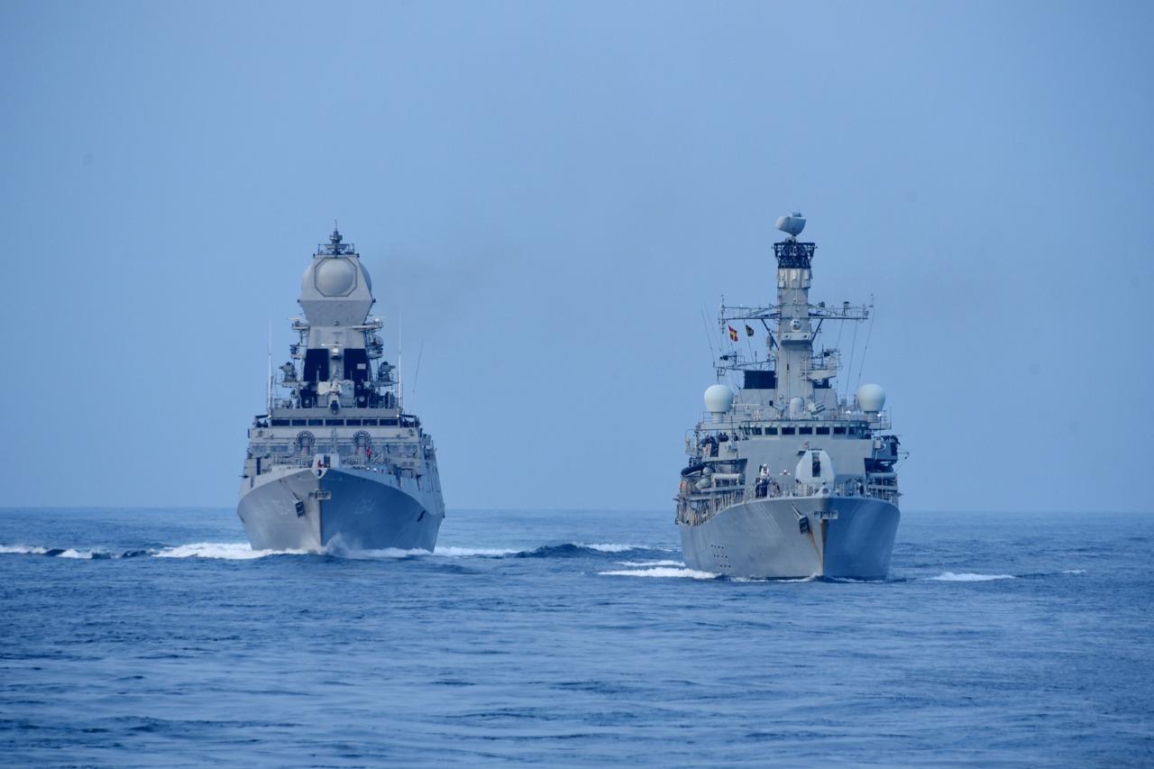 भारत और ब्रिटेन के सशस्त्र बलों का संयुक्त युद्धाभ्यास कोंकण शक्ति 2021 अरब सागर में कोंकण समुद्री तट के पास शुरू हुआ