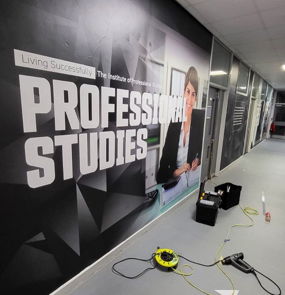test Twitter Media - bringing you the remaining stunning @hullcollegegrp wall coverings - vinyl supplied by @ws_1832 & installed by MW Graphics! As well as vehicle livery, they offer vibrant wall/window coverings for commercial & domestic environments. Tel 01482 897607 or email kyleh@mwhull.co.uk https://t.co/2em1aAg1tE