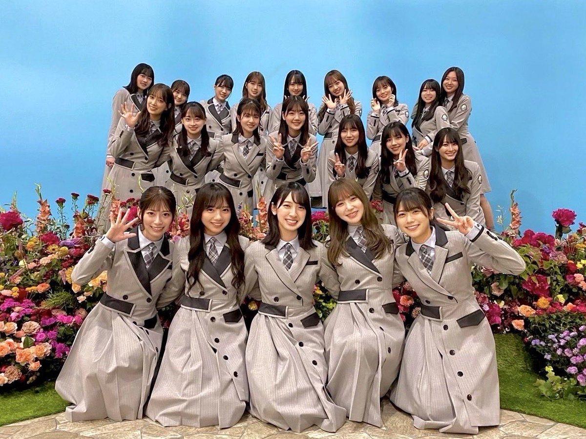 @hinatazaka46's photo on #日向坂46_ってか