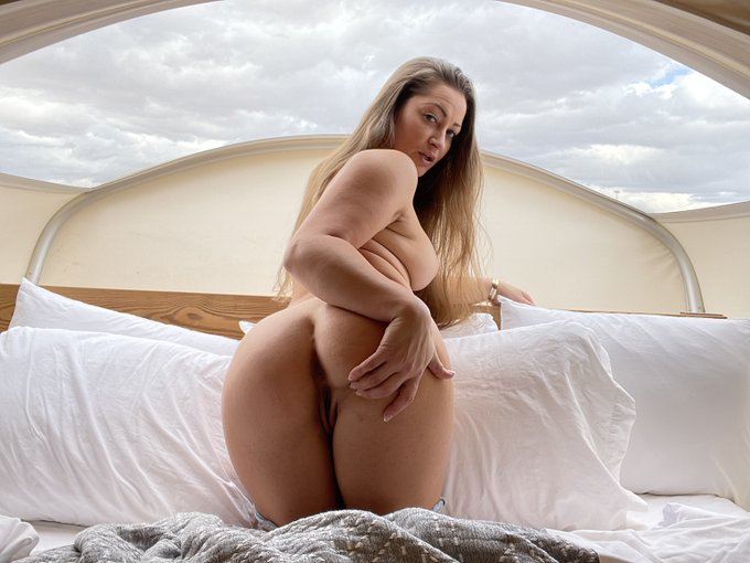I need a dick in my mouth.  Cum watch me suck dick.  You now how MUCH I LOVE Sucking dick!  --> https://t