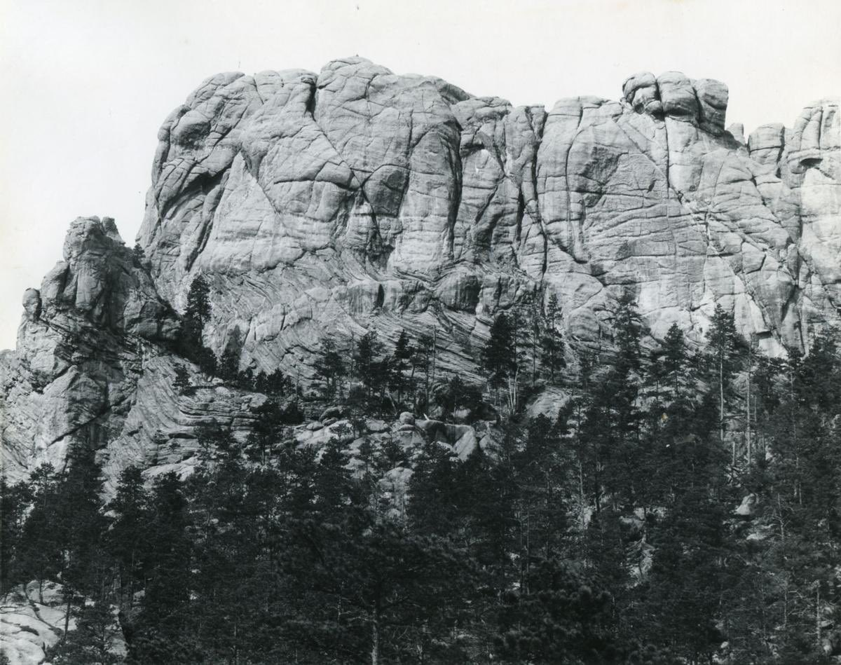 Mount Rushmore before the government defaced it https://t.co/xysRSa0tMk