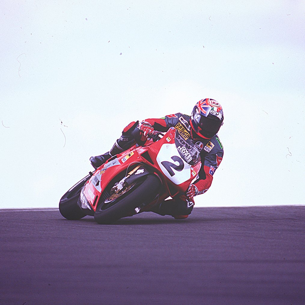 #OnThisDay 25 years ago at Philip Island we crowned the first Australian #WorldSBK Champion @TroyCorser11 🇦🇺🐊  Is there a better place to win your first title than in your home Round? 🤩🙌🏼  #WorldSBK https://t.co/fVVpOdk7FN