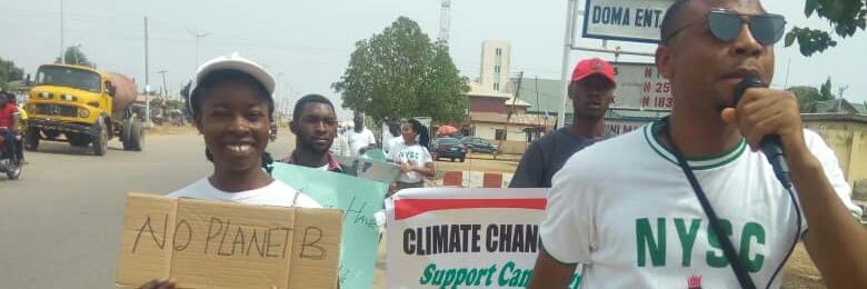 Primary school pupils call for climate action. #FridaysForFuture #ClimateStrike in Abuja, Nigeria. We want… https://t.co/yxyEsGJEBt