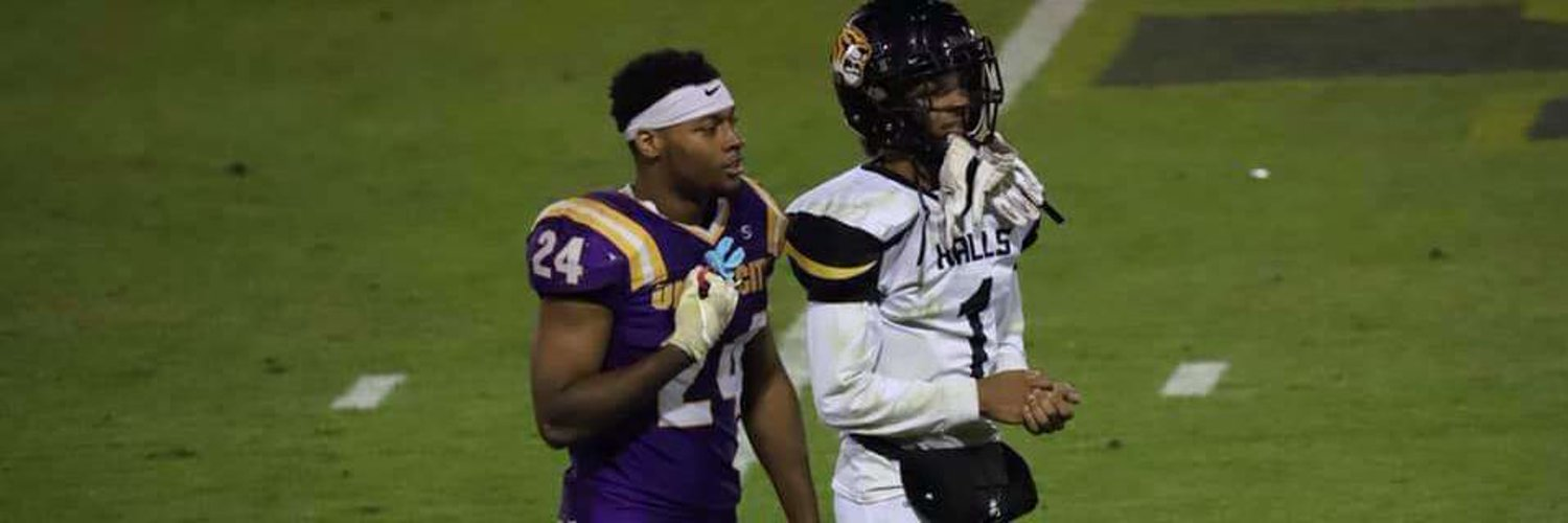 """#24 RB/Outside linebacker /ATH.hudl.com/profile/130331… class of 2021 email travonwe@iCloud.com 5""""11 225lb 2017 state champion 2020 all region team"""