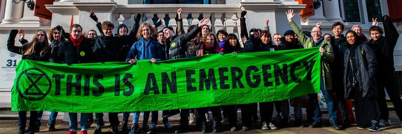 1. Vertel de waarheid / 2. Doe wat nodig is / 3. Laat burgers beslissen ----- We are in a period of abrupt #ClimateBreakdown. Join the #ExtinctionRebellionNL: