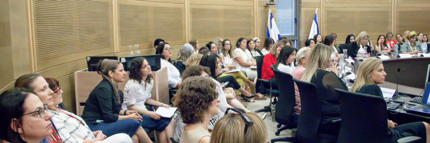 @JYuter on rabbinic authority, the title rabbi, and the (unfortunate?) limits of that status. A lot of food for thought. joshyuter.com/2019/06/24/jud…